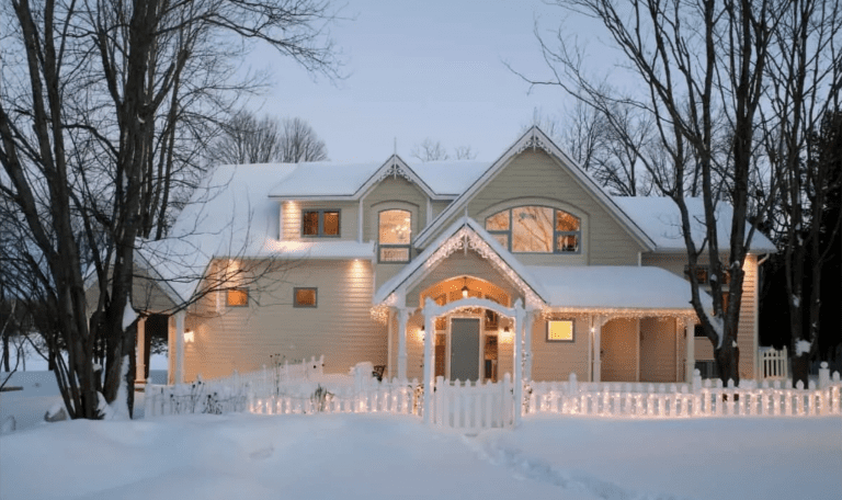 Essential Home Safety Tips for the Holiday Season: Holiday Light Safety
